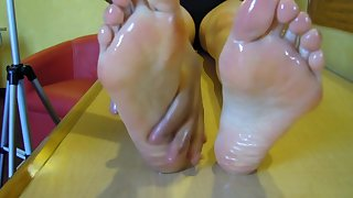 I want a massage on my feet now Fantasy of Paula Foot Fetish pies sexys