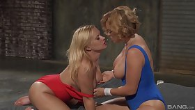 adorable Katja Kassin and Krissy Lynn please each other's cunts