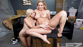 Cherie DeVille & Eliza Jane with reference to Moving Old hat modern Part 2 - LezVR