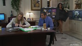 Glum fucking on rub-down the top of rub-down the office table with mature secretary Barbara Summer